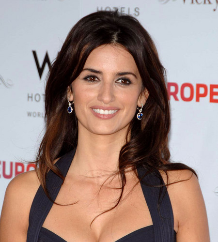 Penélope Cruz wallpaper with a portrait and attractiveness titled Beautiful Penelope