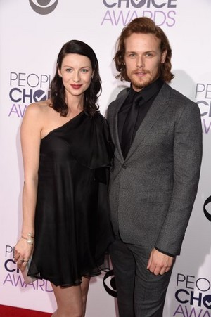 Caitriona Balfe and Sam Heughan at the 2015 People's Choice Awards