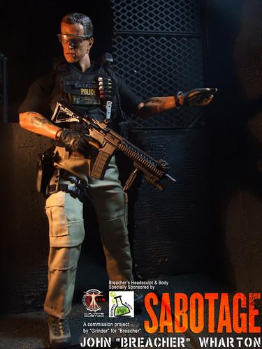 Arnold Schwarzenegger Hintergrund titled Calvin's Custom One Sixth Scale Arnold Schwarzenegger as Breacher in Sabotage figure