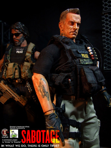 Arnold Schwarzenegger Hintergrund with a rifleman, a green beret, and a navy dichtung entitled Calvin's Custom One Sixth Scale Arnold Schwarzenegger as Breacher in Sabotage figure