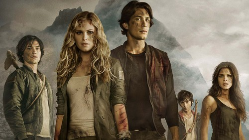 100 (Сотня) сериал Обои possibly with a well dressed person and a мех пальто called Cast of The 100