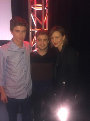 Daniel Radcliffe with Bates Motel cast (Fb.com/DanieljacobRadcliffefanClub)