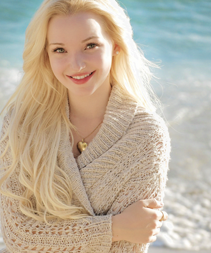 Dove Cameron wallpaper possibly containing a portrait titled Dove Cameron