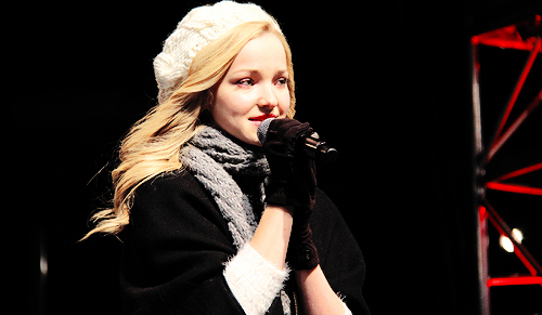 Dove Cameron wallpaper possibly with a concert called Dove Cameron