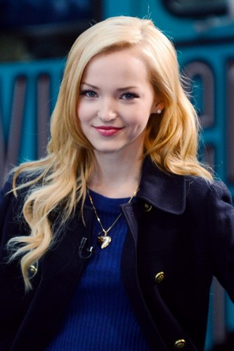 Dove Cameron wallpaper probably containing a well dressed person called Dove Cameron