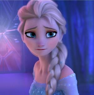 Elsa's Dame look