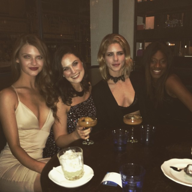 Emily Bett Rickards - New Year's Eve in Londres