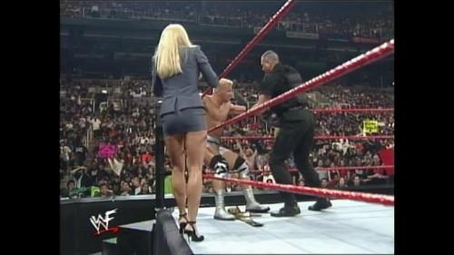 Frühere WWE-Diva… Debra Hintergrund titled HEAT - 01.31.99