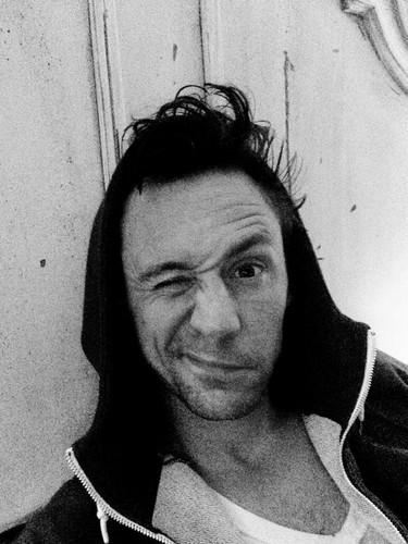 汤姆·希德勒斯顿 壁纸 titled Hoodie Hiddleston ♥