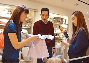 Jessica and Tyler Kwon shopping for baby clothes