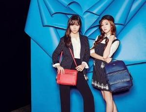 Jessie(ex-member)and her sister Krystal एफ(एक्स) pose for lapalette