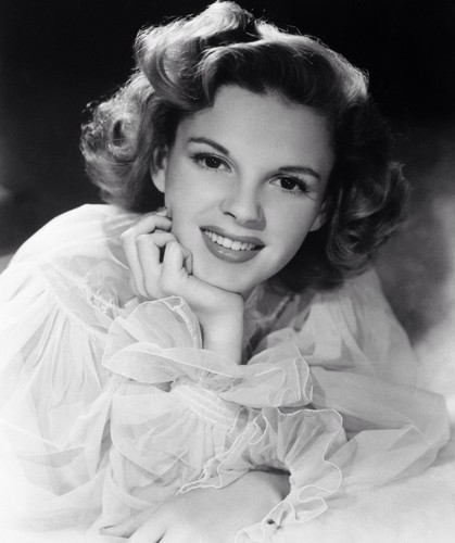 Mason Forever! achtergrond entitled Judy Garland.