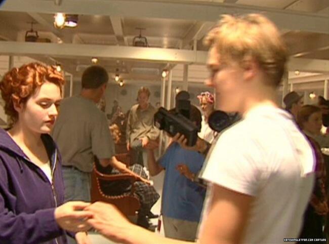 Kate and Leo - Titanic Photo (37928825) - Fanpop Kate Winslet Titanic