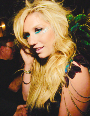 Kesha fan Arts
