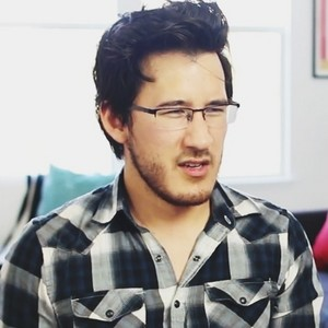 Markiplier in Matthias's Shockball Challenge