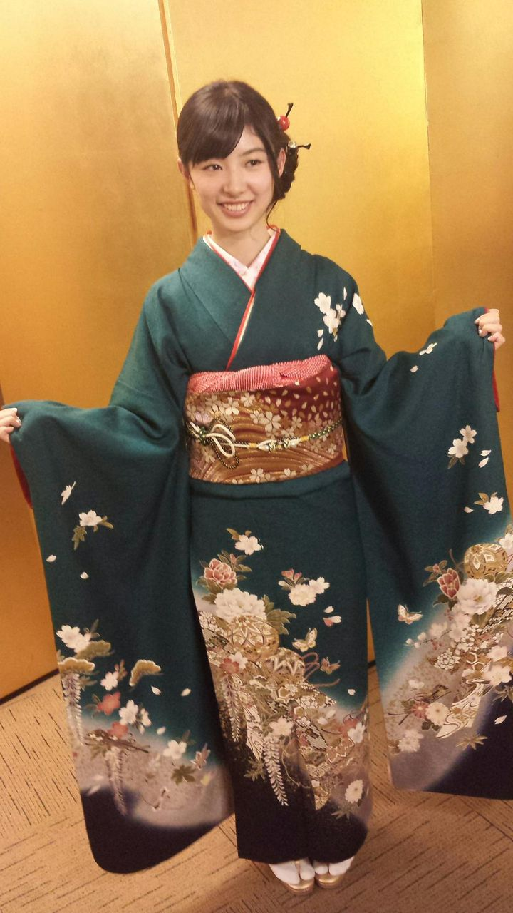 Muto Tomu - AKB48 Coming of Age Ceremony