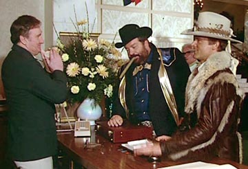 Bud Spencer fondo de pantalla possibly with a brasserie entitled Nati con la camicia