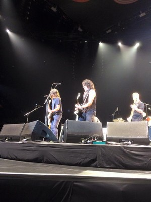 Paul Stanley Onstage With The Foo Fighters ~January 10 in L.A….The pagtitip.