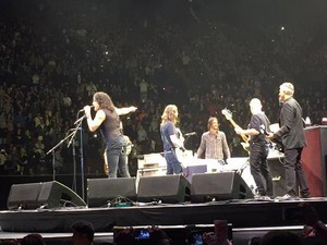 Paul Stanley Onstage With The Foo Fighters ~January 10 in L.A….The diễn đàn