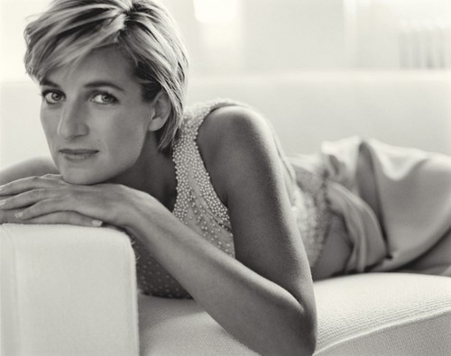 Prinzessin Diana Hintergrund probably containing a living room called Princess Diana photographed Von Mario Testino