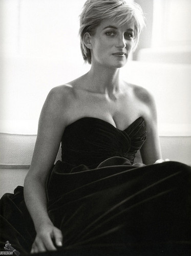 Prinzessin Diana Hintergrund containing a cocktail dress called Princess Diana photographed Von Mario Testino