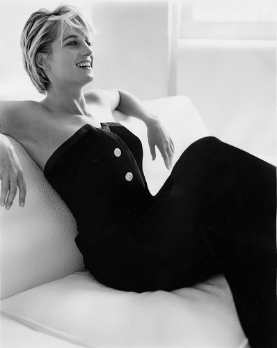다이애나 왕세자비 바탕화면 containing a leotard and tights titled Princess Diana photographed 의해 Mario Testino
