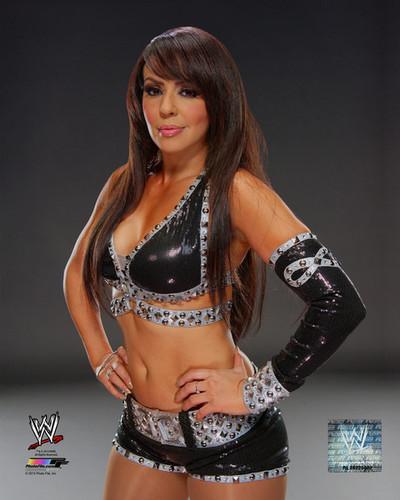 WWE Divas achtergrond titled Promotional foto - Layla