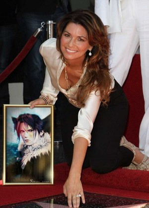 SHANIA TWAIN AND FAKE FANS SQUALL LEONHART