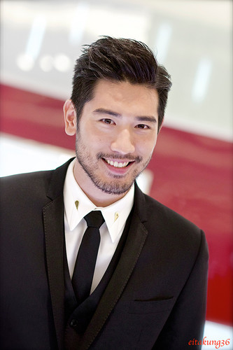 Godfrey Gao fondo de pantalla containing a business suit, a suit, and a two piece titled SK - II event