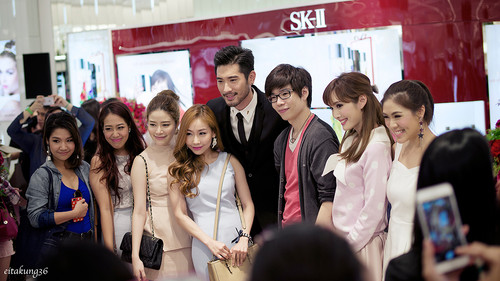 Godfrey Gao fondo de pantalla probably with a bridesmaid, a business suit, and a portrait entitled SK - II event