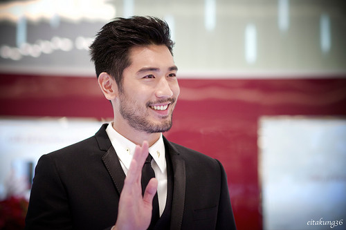 Godfrey Gao fondo de pantalla with a business suit, a suit, and a two piece entitled SK - II event