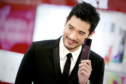 Godfrey Gao fondo de pantalla with a business suit entitled SK - II event