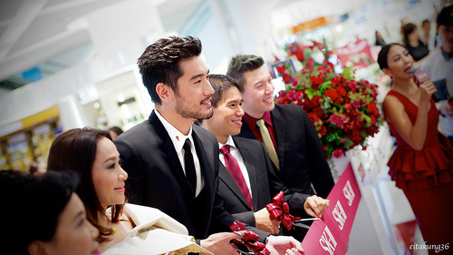 Godfrey Gao پیپر وال containing a bridesmaid entitled SK - II event