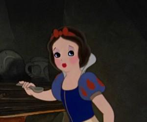 Snow White's calling bird look