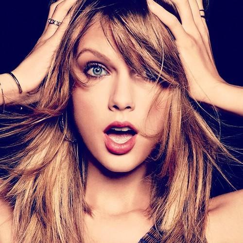 Taylor Swift Cosmo Photoshoot