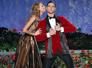 Taylor تیز رو, سوئفٹ Performance At AMAS