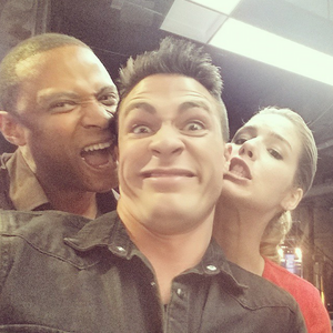 Team arrow on set