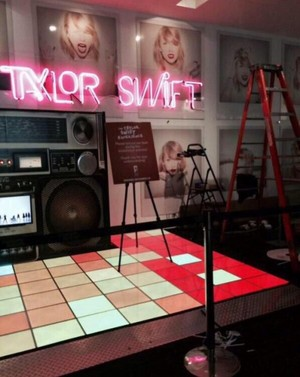 The Taylor snel, swift Experience
