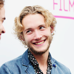 Toby Regbo fondo de pantalla with a portrait entitled Toby Regbo