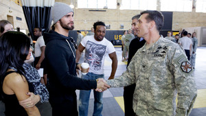 美国职业摔跤 Superstars Visit the US Army Combatives School