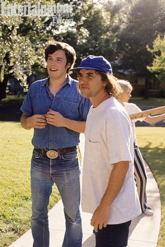 Dazed and Confused wallpaper possibly containing a boater, long trousers, and a pantleg called Behind the Scenes - Ben Affleck and Richard Linklater