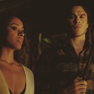 Bonnie and Damon || How toi two montrer l'amour