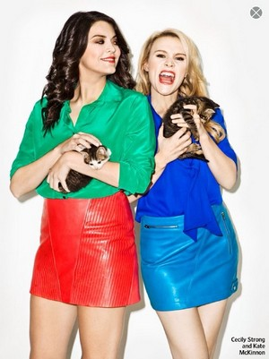 Cecily Strong and Kate McKinnon in Entertainment Weekly, December 2013