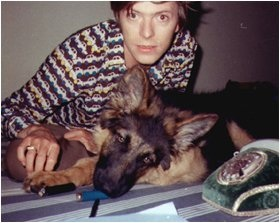 David Bowie with doggy. <3