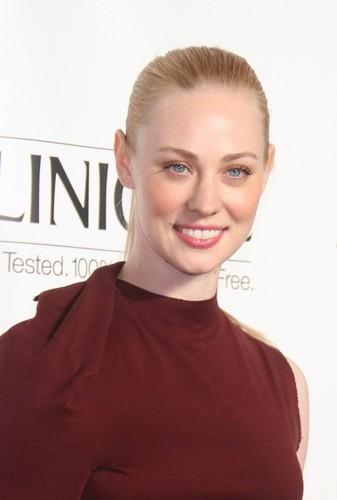 Deborah Ann Woll 壁紙 with a portrait entitled Deborah Ann Woll