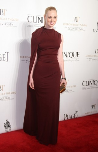 Deborah Ann Woll 바탕화면 probably containing a 공식 만찬, 저녁 식사 dress, a gown, and a 칵테일 dress titled Deborah Ann Woll