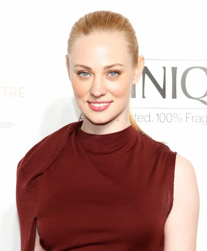 Deborah Ann Woll 바탕화면 probably containing a portrait called Deborah Ann Woll