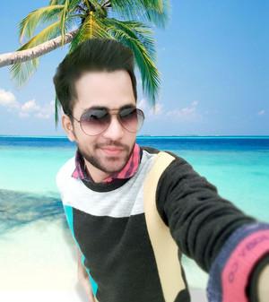 emo boy selfi