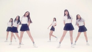 G-Friend Glass Bead MV