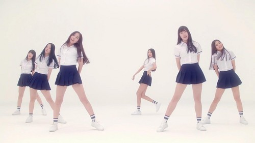 GFriend wallpaper entitled G-Friend Glass Bead MV